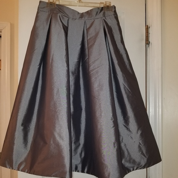 Taffeta Skirt (Silver) White House Black Market